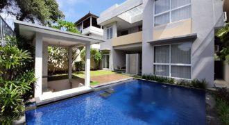 Luxury Modern Villa For Rent In Nusa Dua
