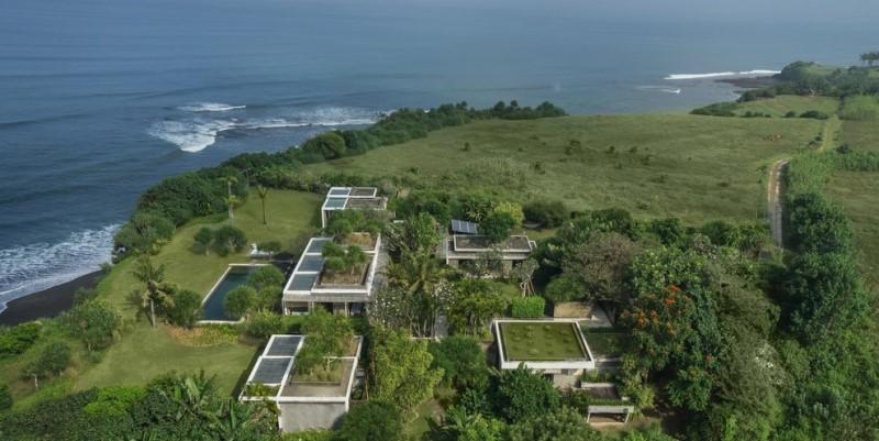 ABSOLUTE BEACH FRONT VILLA In Nyanyi Tabanan